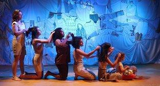 Cia de Teatro homenageia mulheres da história no Dia Internacional da Mulher